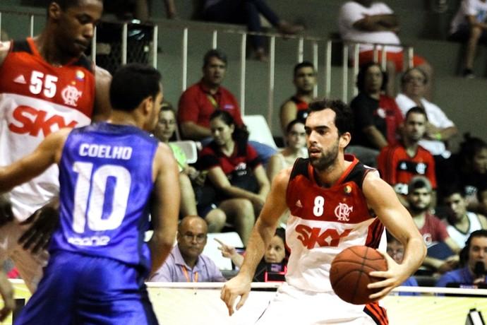 benite flamengo basquete (Foto: Gilvan de Souza / Flamengo)