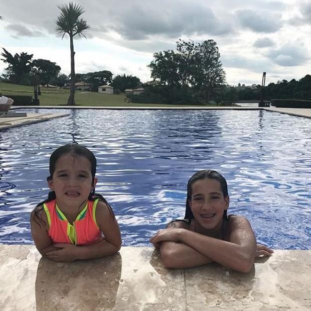 Helena e Clara, filhas de Rodrigo Faro e Vera Viel (Foto: Reprodução/Instagram)