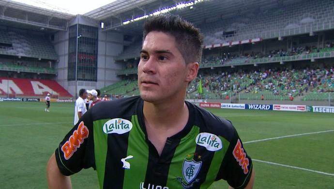 Elsinho, lateral-direito do América-MG (Foto: Reprodução/Premiere FC)