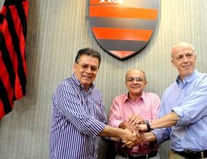 Eduardo Bandeira e Paulo Pelaipe coletiva Flamengo (Foto: Fernando Azevedo / Fla Imagem)