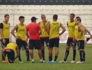 Jogadores do Paulista de Jundiaí em treino (Foto: Divulgação/Paulista)