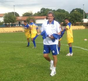 Roberto Oliveira se preocupa com pouco tempo de treino do Interporto (Foto: Vilma Nascimento/GloboEsporte.com)