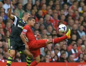 Philippe Coutinho stoke city x liverpool (Foto: AFP)