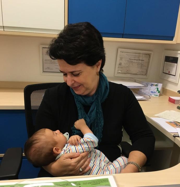 Mãe de Fernanda Rodrigues é psicopedagoga e ajuda a filha nos ensinamentos (Foto: Arquivo Pessoal)