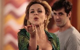 Final: confinada em reality, Bárbara atura subcelebridades e leva até calcinha na cara