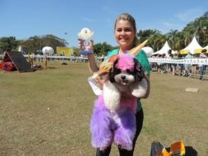Fashion: Luciana Moraes e 'Lucy' (Foto: Alan Schneider/G1)