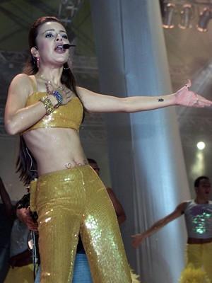 Sandy canta no Rock in Rio em 2001; show com o irmão Junior foi no dia pop do festival (Foto:  Folhapress)