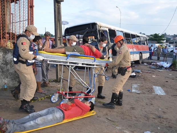 Acidente aconteceu na BR-230 deixando dois mortos e outros 39 feridos (Foto: Walter Paparazzo/G1)