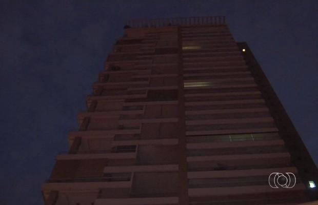 Polícia suspeita que apartamento de luxo pode ter sido comprado com dinheiro desviado (Foto: Reprodução/TV Anhanguera)