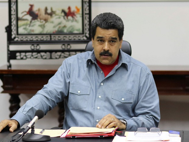 O presidente da Venezuela, Nicolás Maduro, participa de encontro do Conselho de Ministros no Palácio Miraflores, em Caracas, na sexta (13) (Foto: Miraflores Palace/Handout via Reuters)