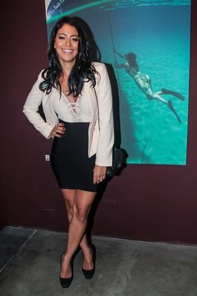 Carol Castro em inauguração de exposição em São Paulo (Foto: Manuela Scarpa/ Brazil News)