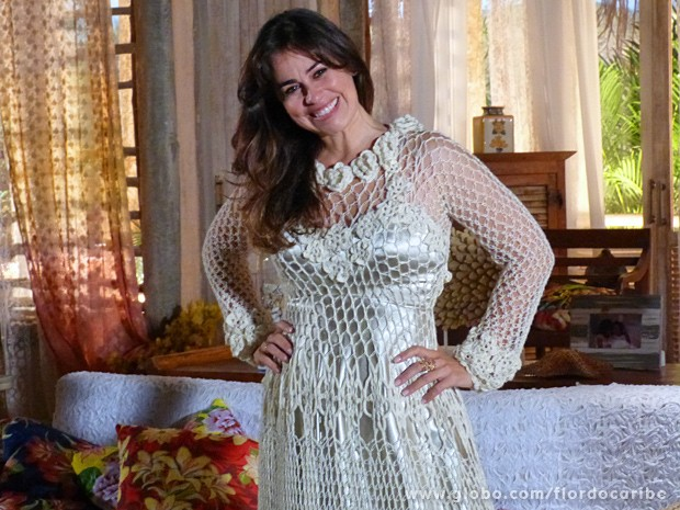 Vestido de noiva de Natália traz renda da cabeça aos pés (Foto: Flor do Caribe/TV Globo)