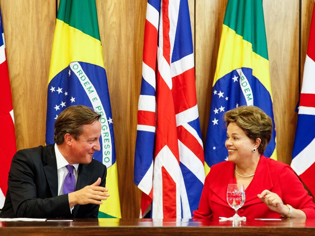 O primeiro-ministro do Reino Unido, David Cameron, e a presidente Dilma Rousseff, durante declaração à impresa após reunião bilateral no Palácio do Planalto (Foto: Roberto Stuckert Filho/PR)