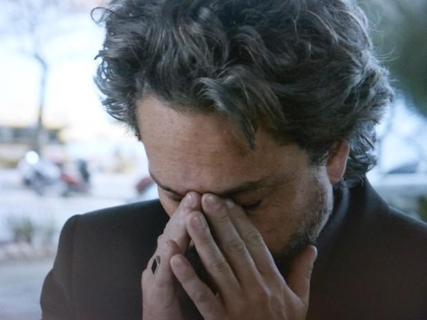 José Alfredo chora pela filha (Foto: Gshow)