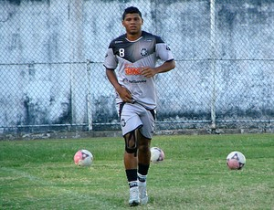 Diego, atacante Rio Branco-ES (Foto: Sidney Magno Novo/Globoesporte.com)