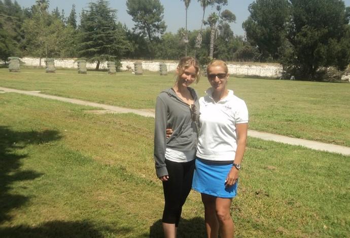 Khatuna Lorig e Jennifer Lawrence (Foto: Reprodução/Facebook)