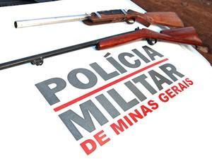 Armas de fogo apreendidas em Antônio Carlos.