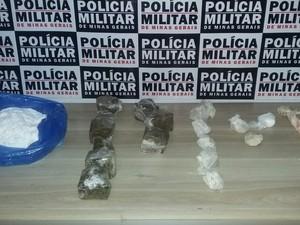 Mulheres são presas por tráfico e drogas são apreendidas em Araxá (Foto: Willian Tardelli/Arquivo Pessoal)