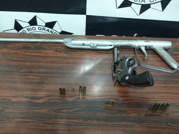 Arma usada no crime, segundo a polícia (Foto: Polícia Civil/Divulgação)