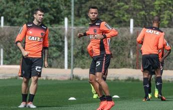 """Galo tem treino no Sul com Carioca  em campo e """"malabares"""" de Robinho"""