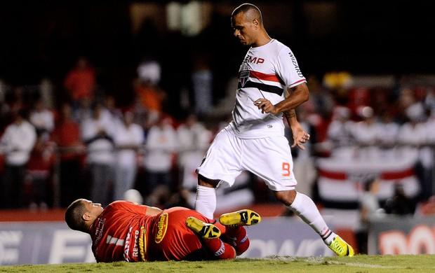 Luis Fabiano são Paulo e Penapolense (Foto: Mauro Horita / Globoesporte.com)