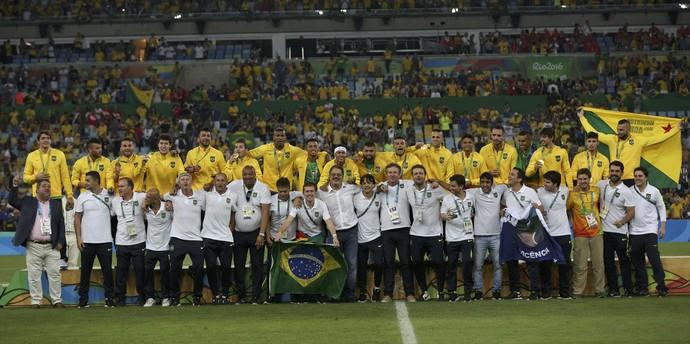 Brasil ouro futebol Maracanã (Foto: Reuters)