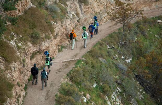 Equipe do Google faz trilha no Grand Canyon com mochila com câmeras (Foto: Divulgação)