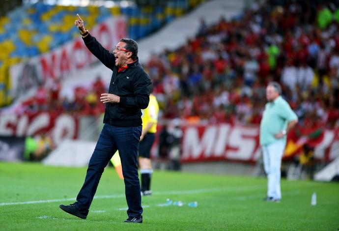 Flamengo x Internacional maracanã - luxemburgo (Foto: André Durão)