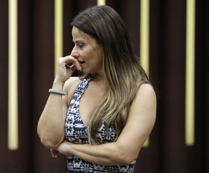 Viviane Araújo faz cara de preocupada (Foto: Fábio Rocha / Gshow)