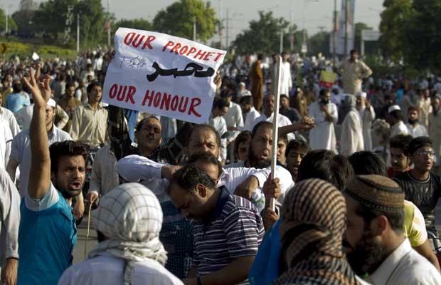 Paquistaneses fazem protesto contra filme anti-Islã nesta quinta-feira (20) (Foto: AP)