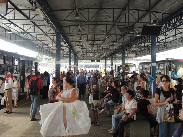 Greve de ônibus prejudica moradores de Mogi das Cruzes (Foto: Pedro Carlos Leite/G1)
