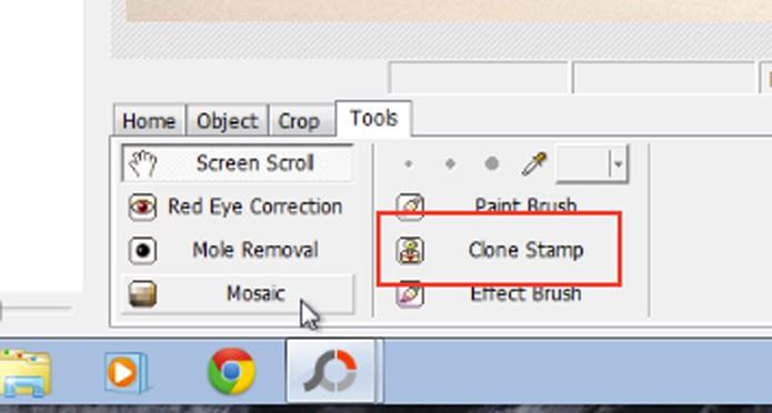 Escolha a opção Clone Stamp (Foto: Reprodução/André Sugai)