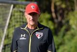 Bauza e Tite figuram em top-50 de lista de melhores treinadores para revista