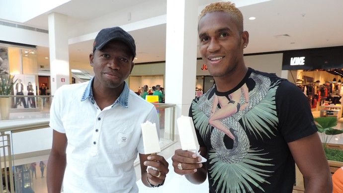 Beckeles e Garcia Honduras no Shopping (Foto: Alan Schneider)