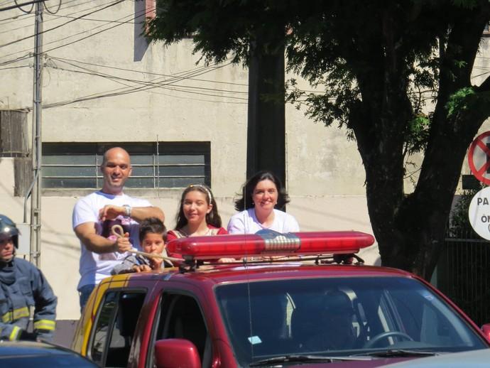 Pérola Crepaldi do The Voice Kids ficou emocionada com a carreata em Apucarana (Foto: Arquivo pessoal)