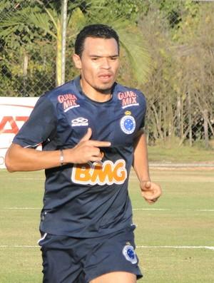 Ceará, lateral direito do Cruzeiro (Foto: Marco Antônio Astoni / Globoesporte.com)