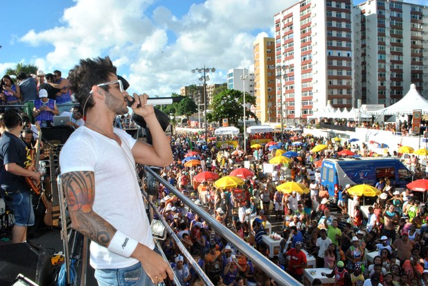 Detalhe da aliança do Gusttavo Lima (Foto: Marcello Machado/ Ag. Haack)