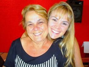 Ana Paula Pituxita e mãe (Foto: Divulgação)