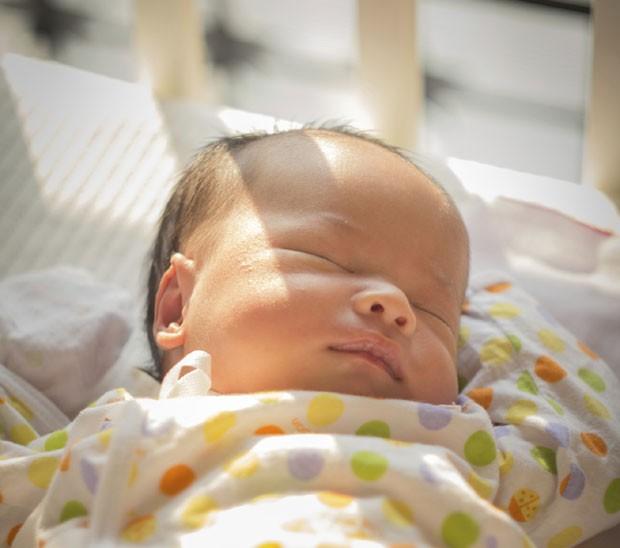 Bebê dormindo; recém-nascido; berço; morte súbita (Foto: Thinkstock)