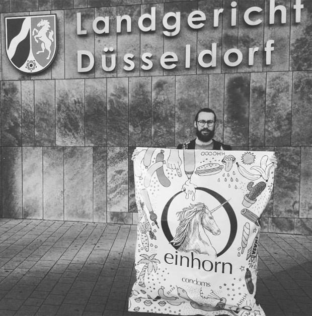 Slogan dizia que pacote de 7 camisinhas 'corresponderia a 21 orgasmos' (Foto: Reprodução/Facebook/Einhorn)