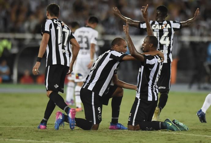 gol airton botafogo colo-colo (Foto: André Durão / GloboEsporte.com)