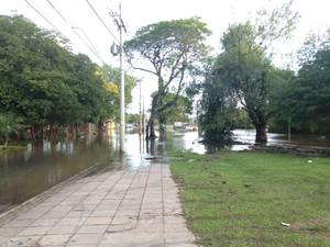 Alagamento Guarujá Porto Alegre (Foto: Cezar Freitas/RBS TV)