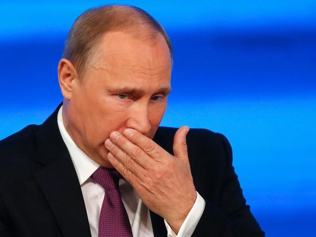 Vladimir Putin durante entrevista coletiva de fim de ano em Moscou, nesta quinta-feira, 18 de dezembro (Foto: Maxim Zmeyev/Reuters)