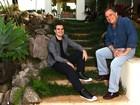 Prestes a lançar CD, filho de Ronnie Von posa na casa da família, em São Paulo