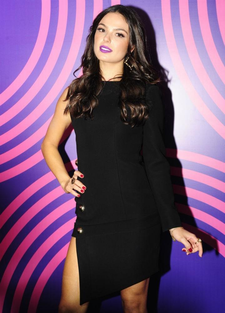 Isis Valverde vestido assimetrico (Foto: Estevam Avellar/TV Globo)