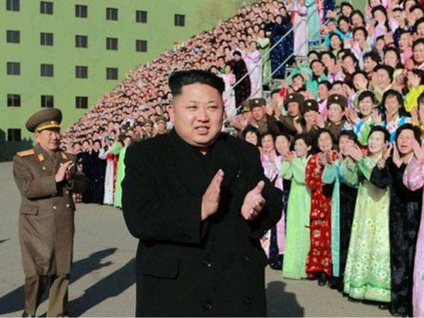 Kim Jong-un, líder da Coreia do Norte; governo norte-coreano tem criticado fortemente a divulgação do filme 'A entrevista' (Foto: AFP)