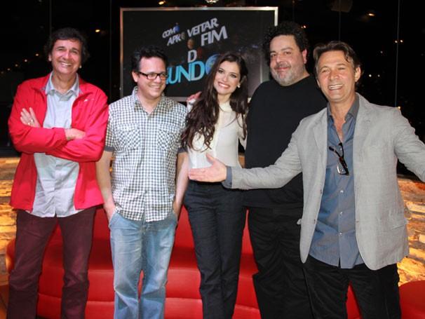 Elenco e equipe do seriado (Foto: TV Globo / Vanessa Thees)
