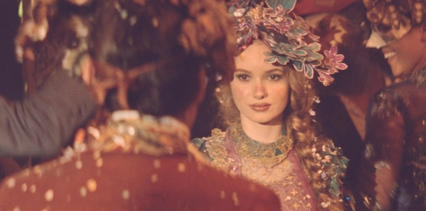 Monique Bourscheid como Lívia na minissérie Dois Irmãos (Foto: Divulgação Globo)