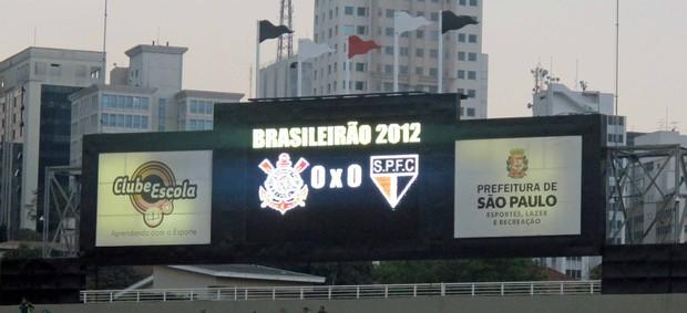 São Paulo e Corinthians falsos no Pacaembu (Foto: Diego Ribeiro/Globoesporte.com)