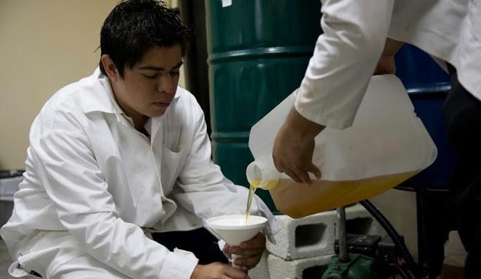 Luis Rodolfo Gálvez pesquisa energia renovável. (Foto: Guatemalambiente)
